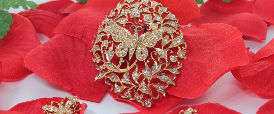 Peranakan Modern Butterfly Pendant-Brooch